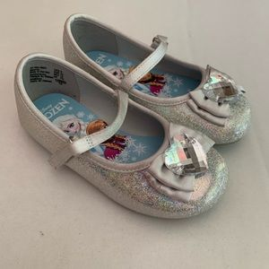 Disney frozen Silver Mary Janes dress shoes